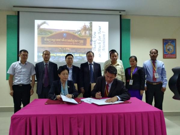 校拓展柬埔寨 越南国际合作与交流
